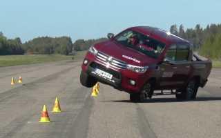 2016 Тойота Хайлюкс не смогла пройти «лосинный тест»